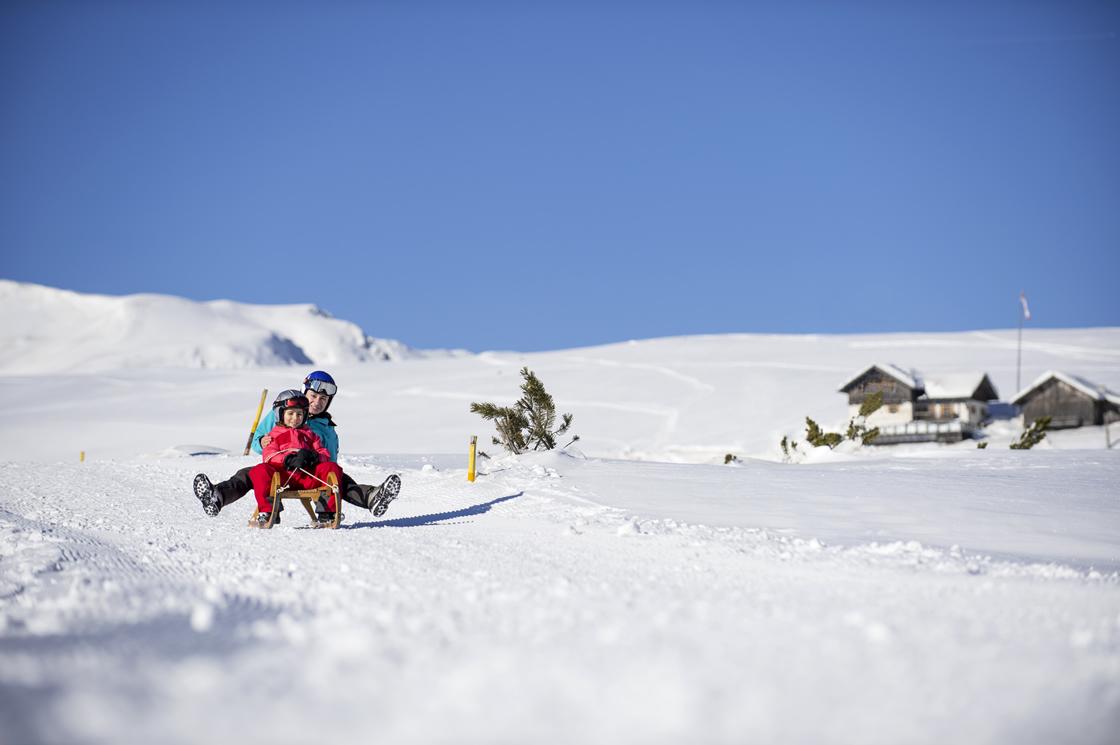 Winterurlaub Südtirol rodeln Villanderer Alm