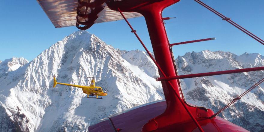 mit dem Helikopter über die Alpen