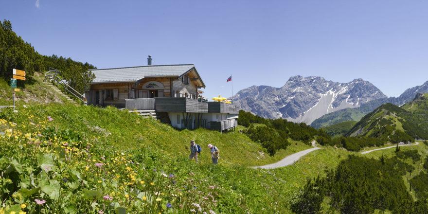 Wanderung zur Berghütte Sareis