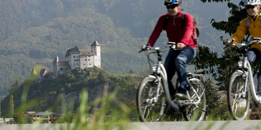 E-Biken auf dem Liechtenstein Weg