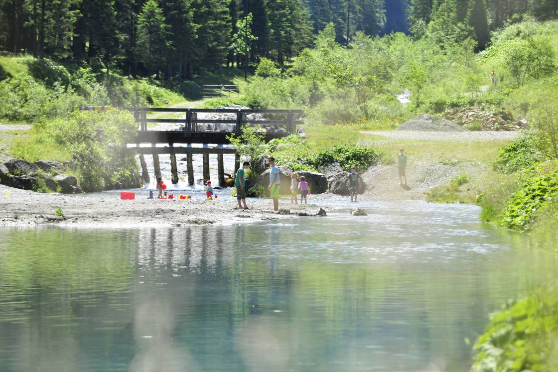 Badeinseln am Gänglsee in Steg, Liechtenstein