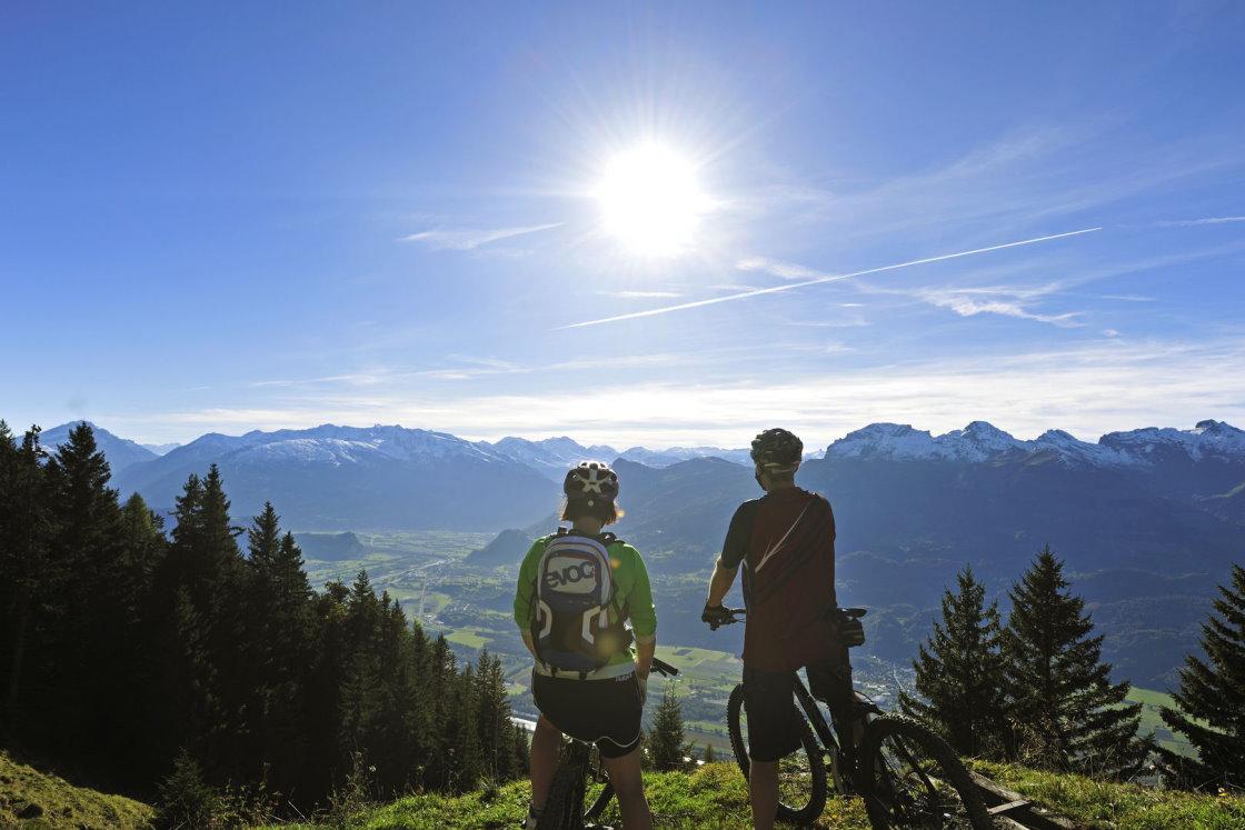 radfahren und ebiken in den Bergen