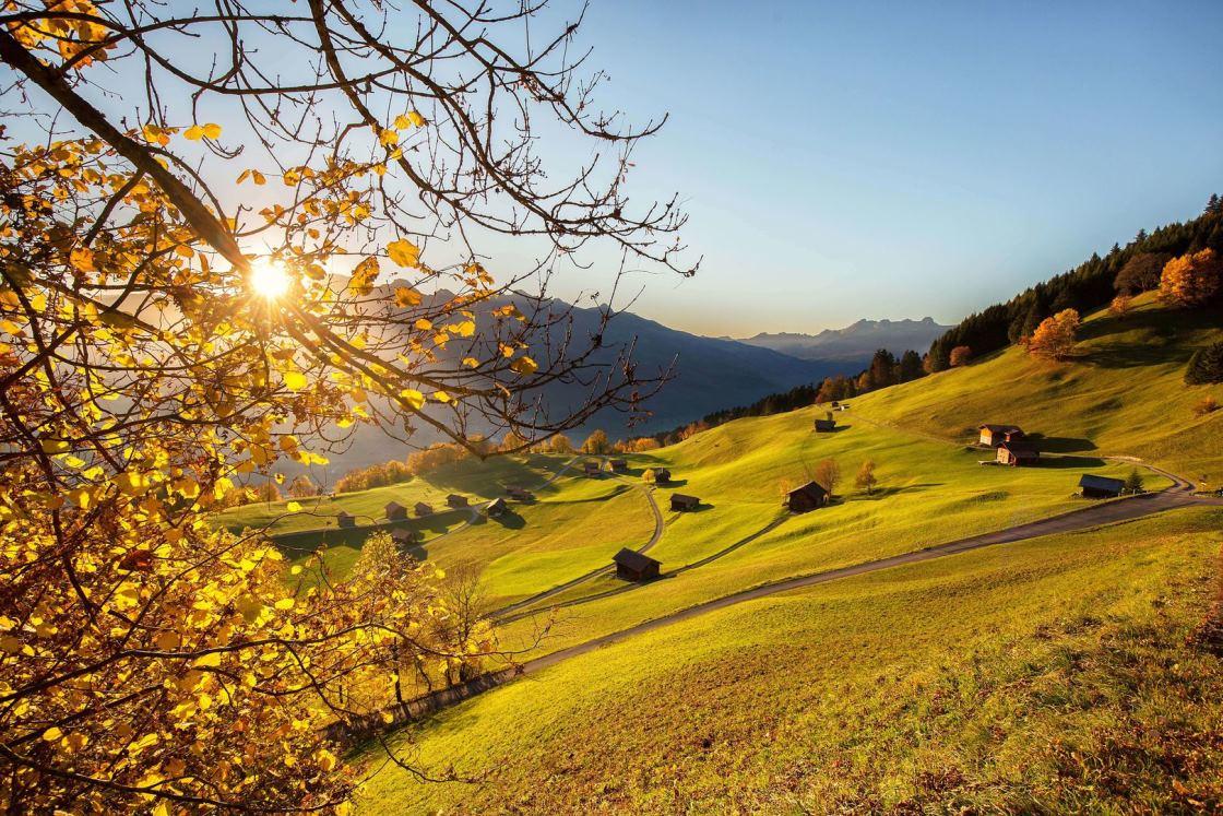 herbstwanderung auf dem Liechtenstein Weg
