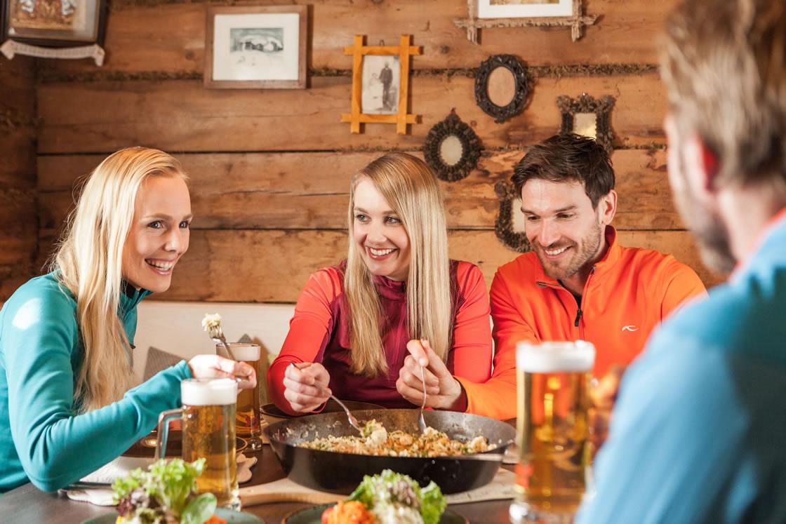 Hütten Einkehrschwung Skifahren Hochkönig