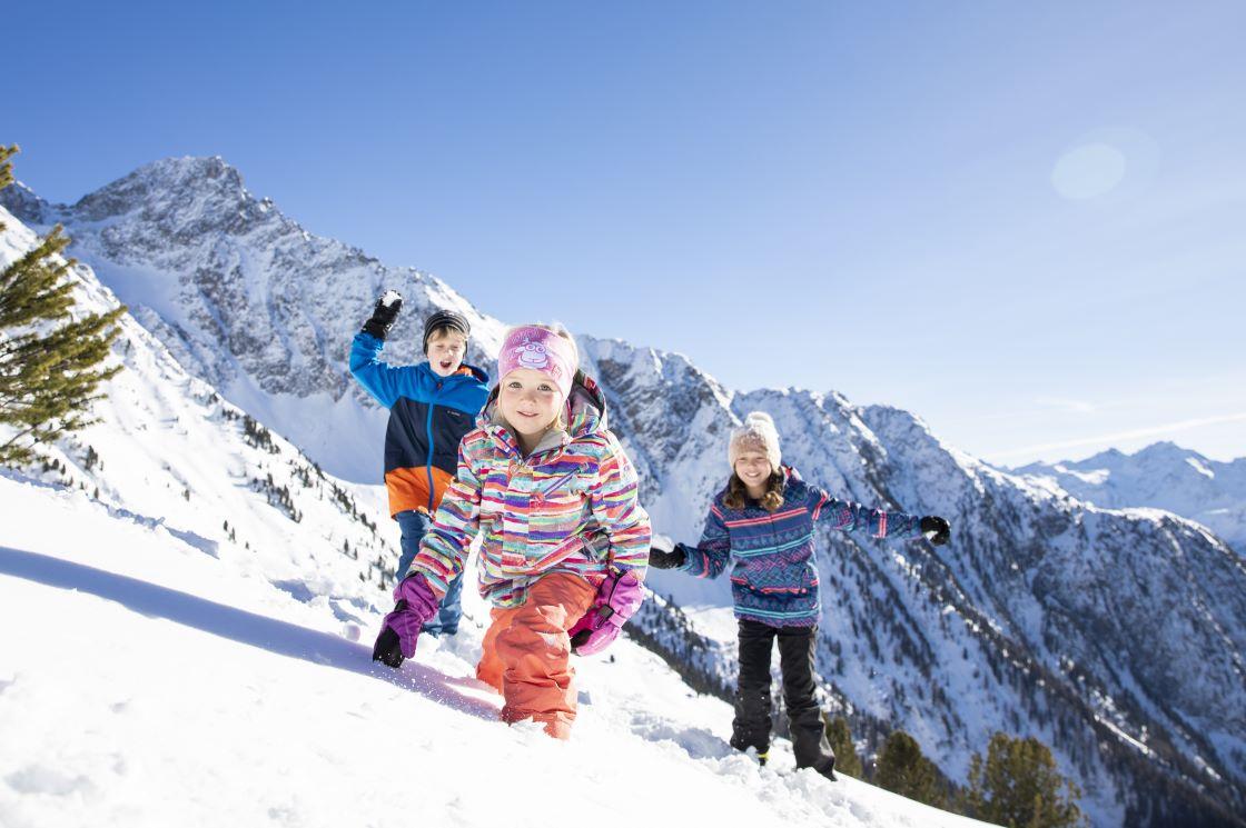 Winter und Skifahren im Ötztal in Tirol