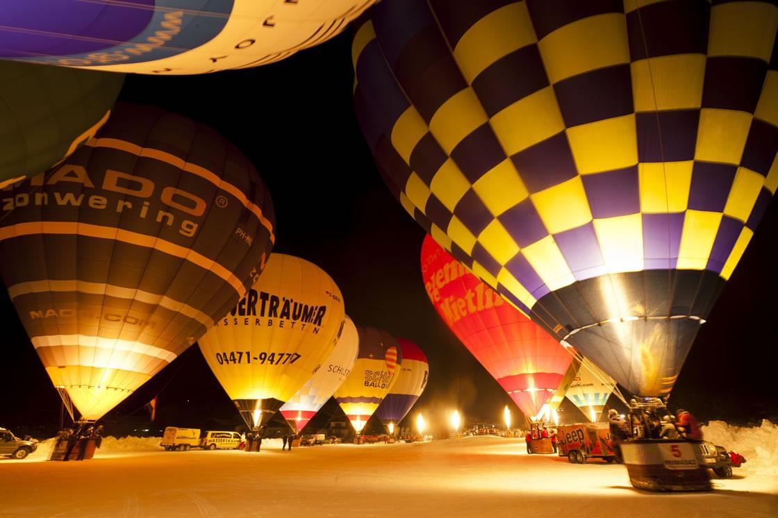 Ballonfahrertreffen Tirol Kaiserwinkl Alpen Österreich