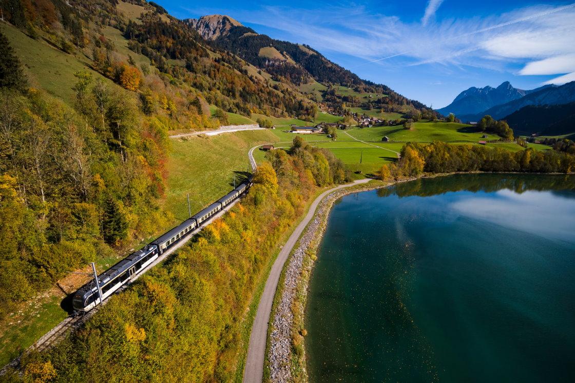 Panoramazüge Schweiz, Golden Pass Line