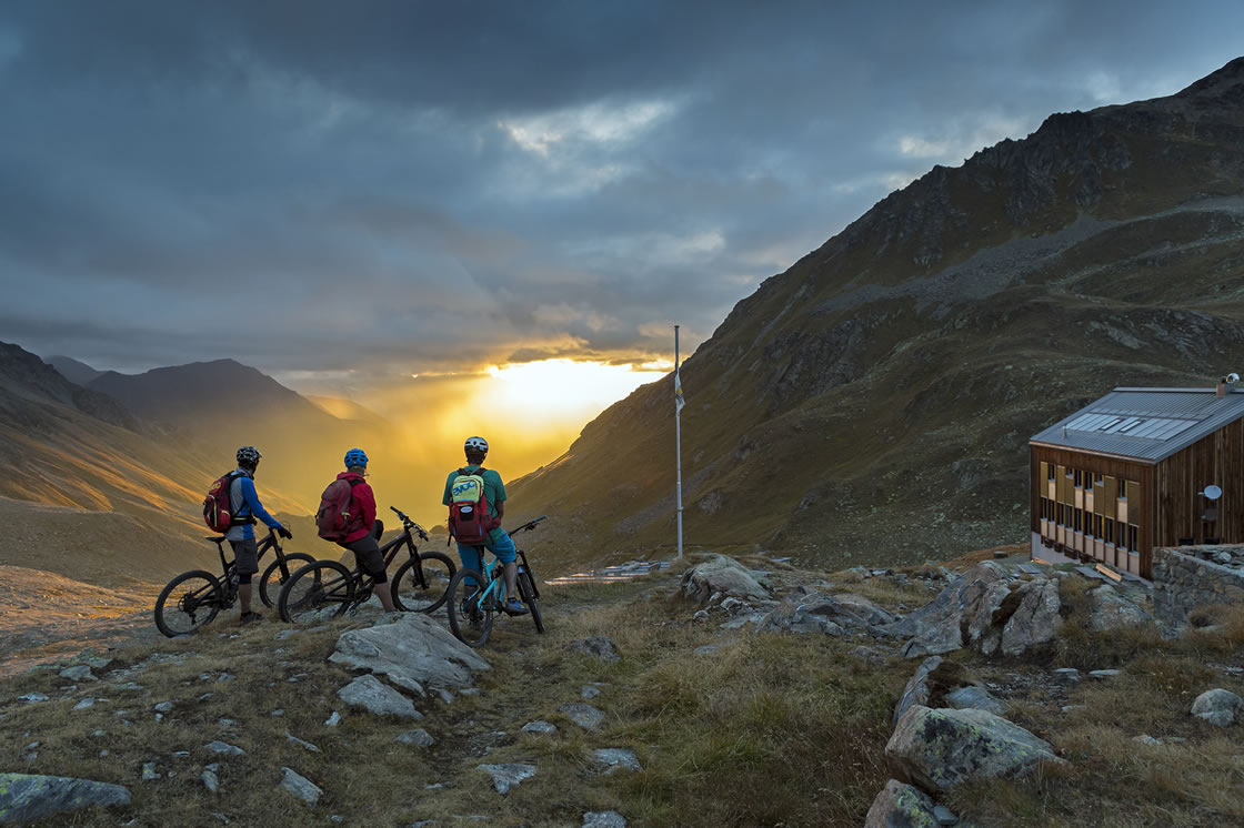 Mountainbike Touren zu Panoramahütten in der Schweiz