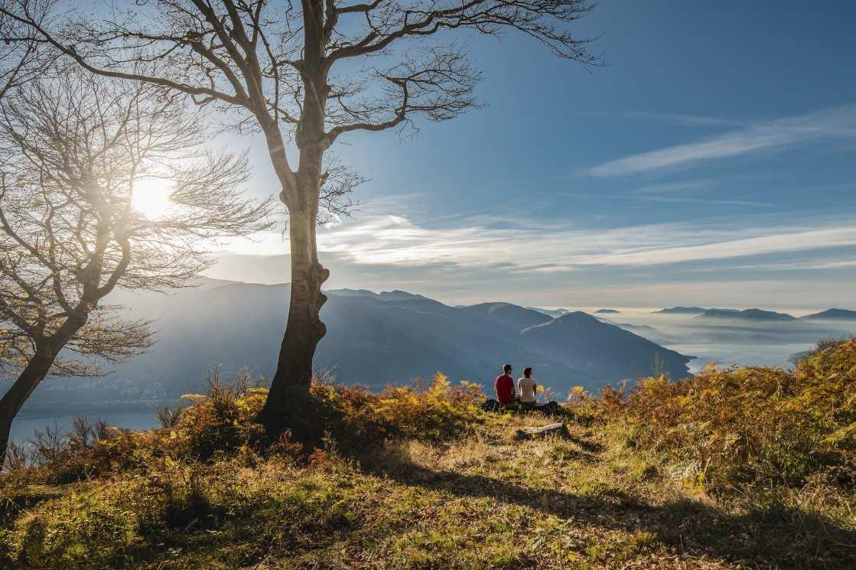 wandertour blick auf den Lago Maggiore