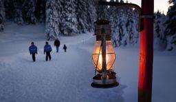 Skifahren im Dunkeln Schweiz