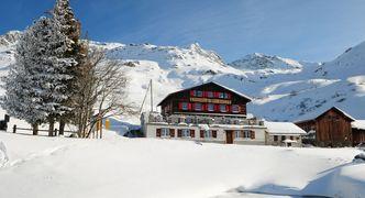 Schweizer Alpen_Winterurlaub_Graubünden