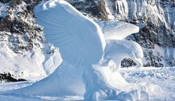 Eiskalte Kunst in Grindelwald